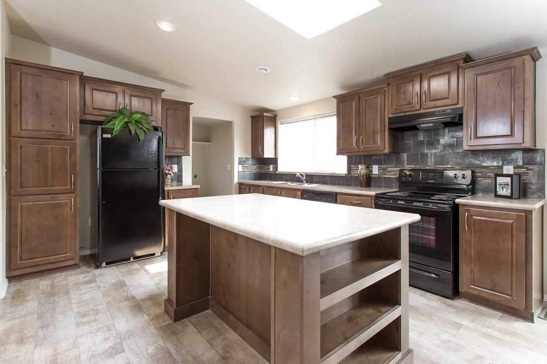 The 2860 MARLETTE SPECIAL Kitchen. This Manufactured Mobile Home features 3 bedrooms and 2 baths.
